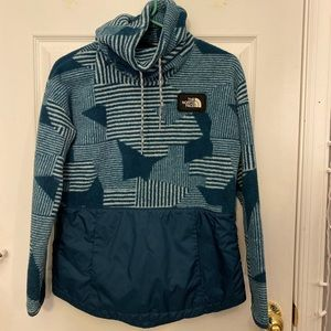 Women's Small The North Face Pullover